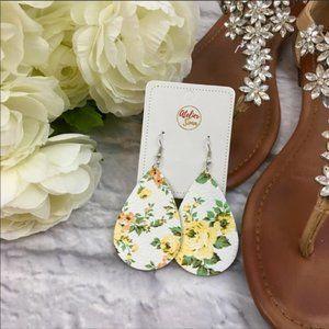 {Atelier Sona} Floral Faux Leather Earrings